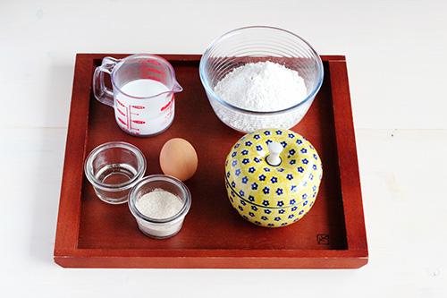 ホットケーキミックス簡単ふんわりケーキの材料/ポーリッシュポタリー