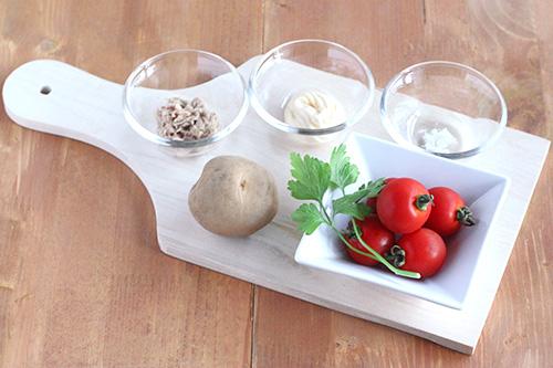 スタッフドトマトの材料/ポーリッシュポタリー