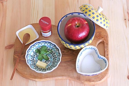 焼きりんごの材料/ポーリッシュポタリー