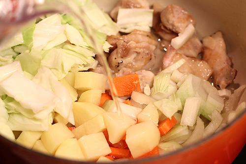 サラダボウルミニで食べるチキンスープ