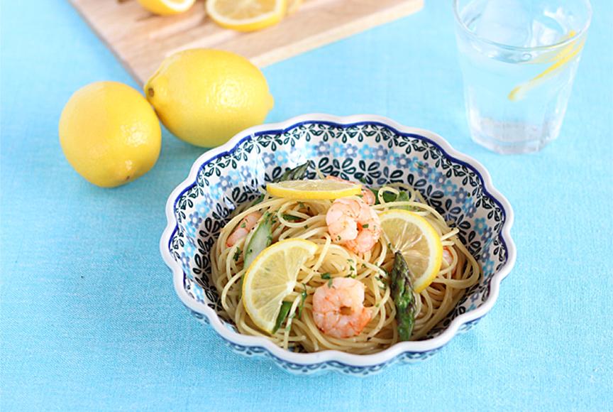海老とアスパラの塩レモンパスタ