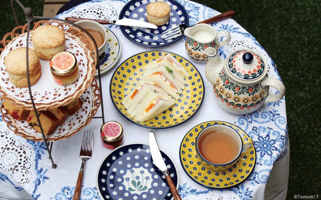 昼下がりに楽しむ「庭とカフェ。」